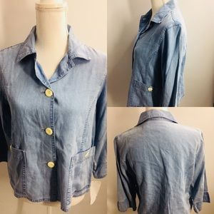 🦋Emma James Full Button chambray Top